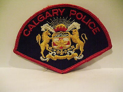 police patch  CALGARY POLICE ALBERTA  CANADA  OLD STYLE