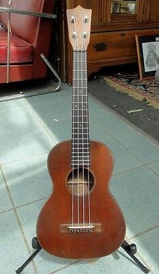 1950s MARTIN TENOR MAHOGANY UKULELE STYLE ONE EXCELLENT CONDITION, SOUNDS GREAT!