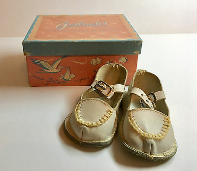 Vintage Gertrude's Girls White Leather Baby Shoes in Original Box Pre-Walkers