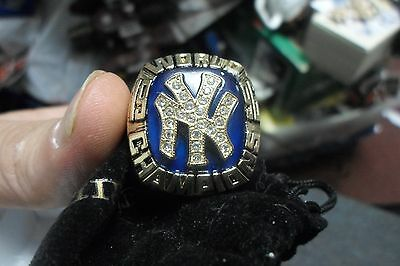 NY YANKEES 1996 REPLICA WORLD SERIES RING w/pouch Stadium Giveaway NICE!!!