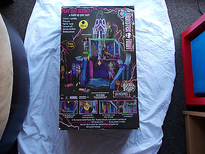 Monster High Freaky Fusion School Catacombs large playset new in box