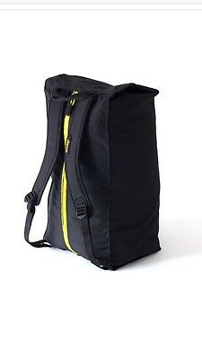 Snapack First BNWT climbing bouldering bag, includes ground sheet