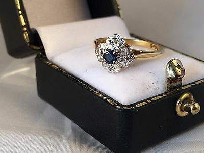 LOVELY 18ct Yellow Gold Art Deco Style Sapphire and Diamond Cluster Ring SIZE L