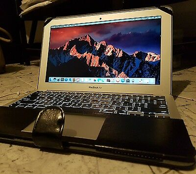 Apple MacBook Air 11-inch Mid 2012 Core i5 1.7GHz 4GB , 60GB A1465 Laptop