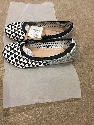 Girls Size 3 Shoes, Brand New!