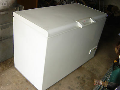 Bosch Economic Chest Freezer 4ft 2 Long - Can Deliver Locally
