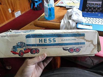 Vintage 1975/1976 Hess Truck In Original Box With 3 Oil Barrels