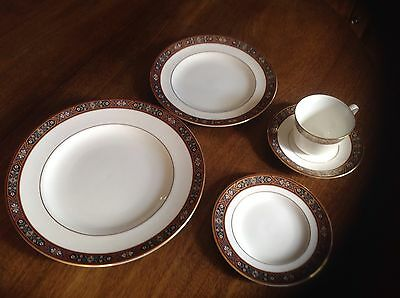 Royal Crown Derby DAUPHIN  A1322 - 5 piece place setting