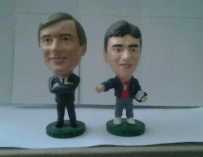 2 Manchester United Corinthian football figures