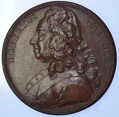 England - Robert Walpole (1676-1745) Prime Minister Tribute medal by Dassier