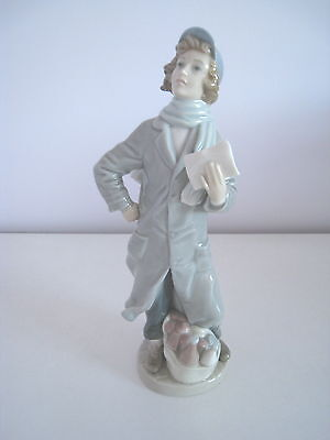 Lladro Delivery Boy W/Basket of Groceries 01004906.