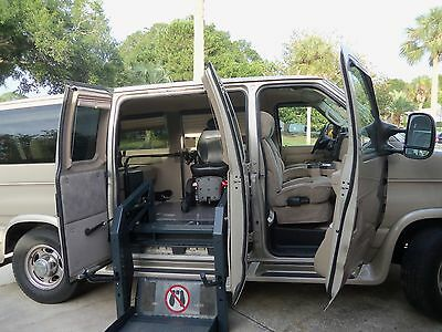 2009 Ford E-Series Van  2009 Ford E series Handicapped equipped Van