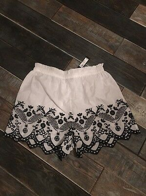 BNWT Ladies White River Island Embroidered Shorts Size 14