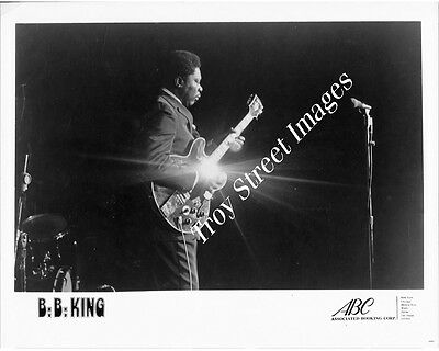Orig 8x10 promo photo #4 of blues guitarist and singer B.B. KING on stage, 1970s