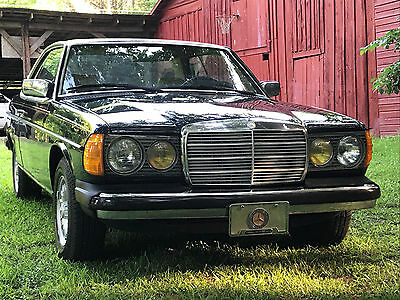 1984 Mercedes-Benz 300-Series 300cd 1984 Mercedes-Benz 300 CD Only 81k miles. Near Exelend cond NO RESERVE