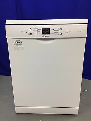 BOSCH Serie 6 SMS53M02GB Full-size Dishwasher in White A++ Rating
