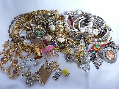 Mixed Lot Of Vintage And Modern Costume Jewelry Necklaces Bracelets