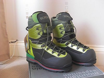Boreal G1 Lite Double insulated mountaineering boots size 9