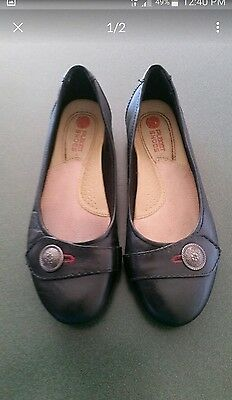 Ladies planet shoes size 8 as new