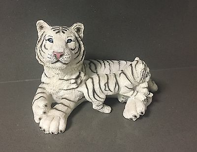 WHITE TIGER Wild Cat Cub Figure Figurine Statue