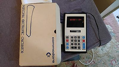 Vintage COMMODORE US-1 Personal Electronic Calculator in BOX Made in Japan