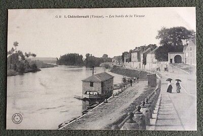 CPA. CHATELLERAULT. 86 - Les bords de la Vienne.