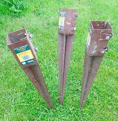 """3 fence post holder - spiked twin bolt post support - metpost 3x24"""" 75x600mm"""