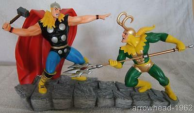Brand New in Box. Marvel THOR vs LOKI Large Figurine Ornament 27607 By Eneso