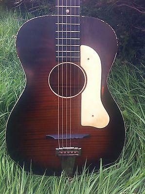Harmony H1031 USA Vintage 1930s Blues Parlor Guitar 13 ¼ inches