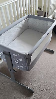 Chicco Next 2 Me Crib plus mattress proctector and sheets