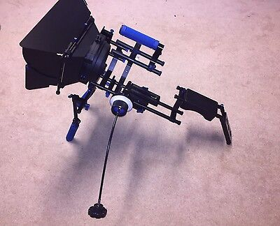 DSLR Shoulder Rig Stabilizer With Travel Case - Follow Focus & Matte Box
