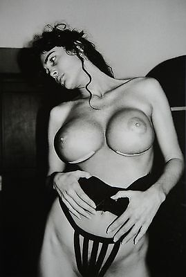 Helmut Newton Sumo Photo 50x70 Julie Strain Nude L.A. 1993, Torso La Hollandaise