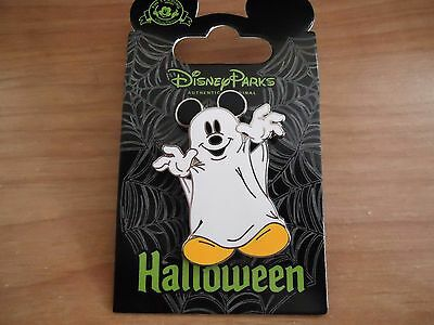 Disney Park Pack June 2015 Halloween Mickey Mouse Ghost Pin On Card