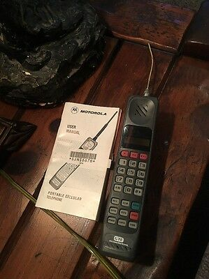 Vintage Motorola Brick Cell Phone Ultra Classic II Parts Only As-is With Manual
