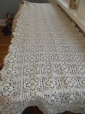 Antique~1920s~Hand Crochet~Geometric Pattern~Dresser Scarf/ Table Runner