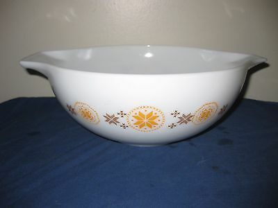 Pyrex Oven Ware 10 inch Glass Mixing Bowl 4 Quart Town & Country Cinderella