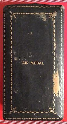 Vintage WWII US Air Medal, Cased in Original Case, Set Ribbon, Bar And Pin