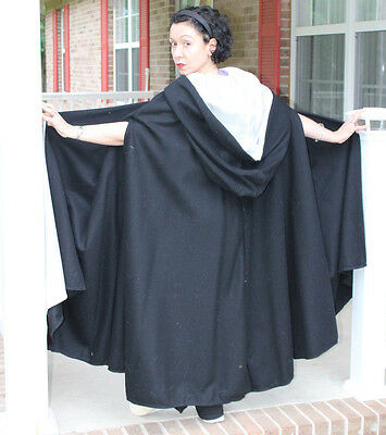 """"""""""""""""""""""""""" BLACK CAPE - Women's Clothin100% Wool ****. Pristine Condition with Hood"""