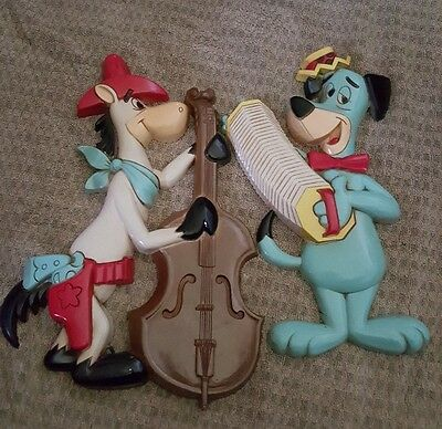 2  1978 HOMCO Huckleberry Hound Quickdraw McGraw Wall plaques