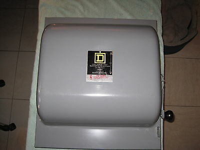 Square D 92453, 100 Amp 4 Pole 240 Volt Manual Transfer Switch