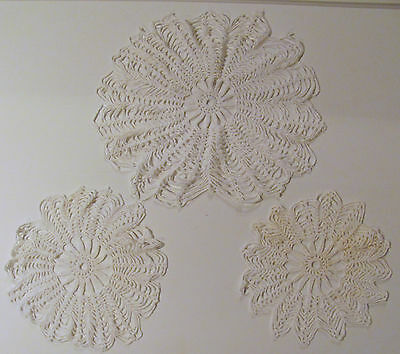 3 VINTAGE BEAUTIFUL HANDMADE MATCHING WHITE DOILIES - All Different Sizes