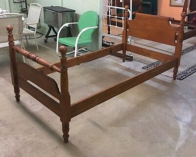 Vintage Whitney Heirloom Twin Size Poster Bed W/ Rails