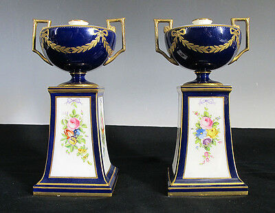 Pair 1900 Mintons England Double Handled Mantle Urns Cobalt Gold Spill Vases yqz