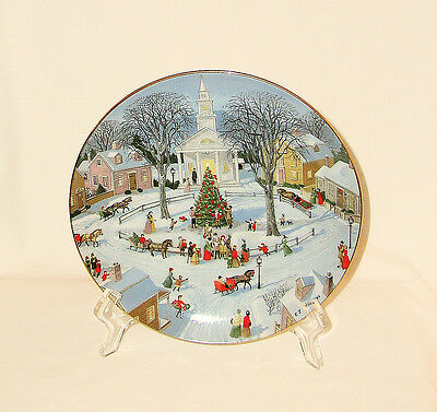 '90 Danbury Mint OLD TIME COUNTRY WINTER~CHRISTMAS TREE LIGHTING Plate~Sternberg