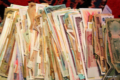 SALE 1 Pound Collector Lot of Genuine Circulated Foreign Banknotes  550 + Pieces