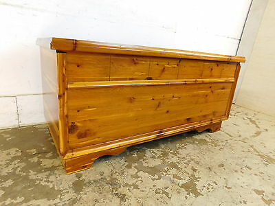 Vintage 1960s 100% All Solid Cedar Storage Hope Chest Trunk