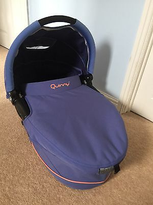 Quinny Dreami Carrycot Rare Colour with Rain Cover.