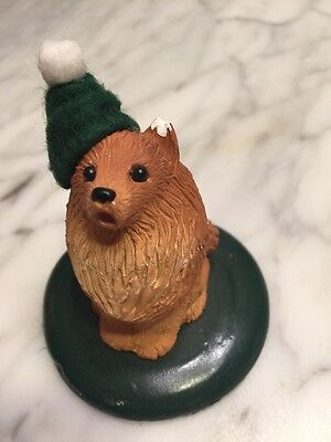 """Byers' Choice LTD dog with Green Hat figurine, The Carolers 3"""" high 1990"""