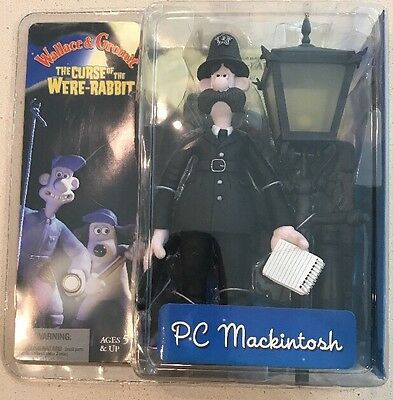 """McFARLANE WALLACE & GROMIT THE CURSE OF THE WERE-RABBIT """"PC MACKINTOSH"""" FIGURE"""