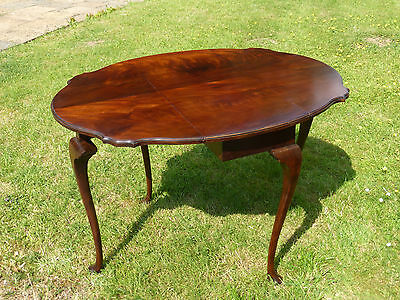 Beautifully elegant Queen Anne Style Drop Leaf Table